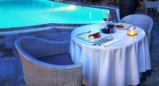 Antigoni-Beach-Resort-Dining-01