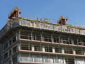 Depuis le belvédère, les 1ers murs du 10° étages apparaissent