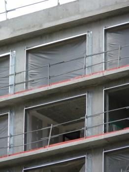 10° et 11° étages, bâtiment B, cloisonnage en cours