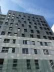 Ah non, ceci n'est pas Parc 17 ;-) C'est l'intrus de cette série. Il s'agit de la façade d'un immeuble de la ZAC Clichy-Batignolles. Joli, non ?