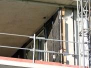 Pose du bardage, façade intérieure Ouest, Faille entre les bâtiment B & C