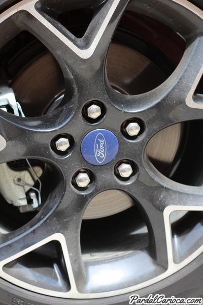Diário Ford Focus: Alerta de pressão baixa de pneu