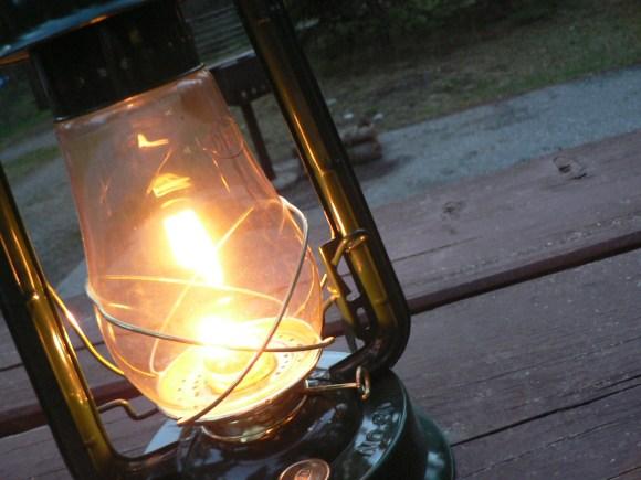 gaslighting lantern