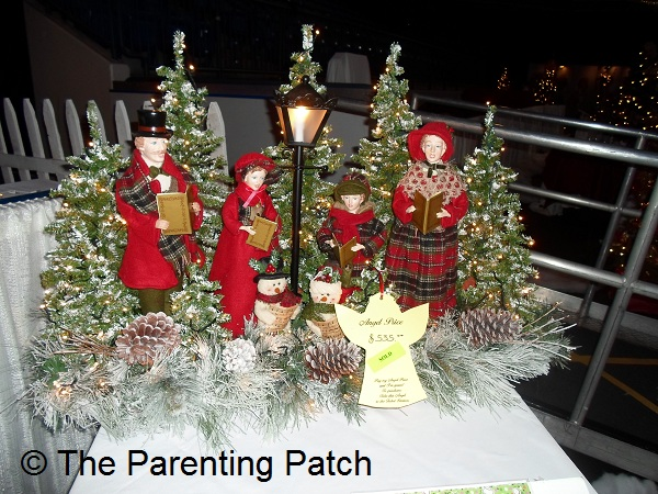 Christmas Table Decorations Day 21 of 25 Days of Christmas - christmas carolers decorations