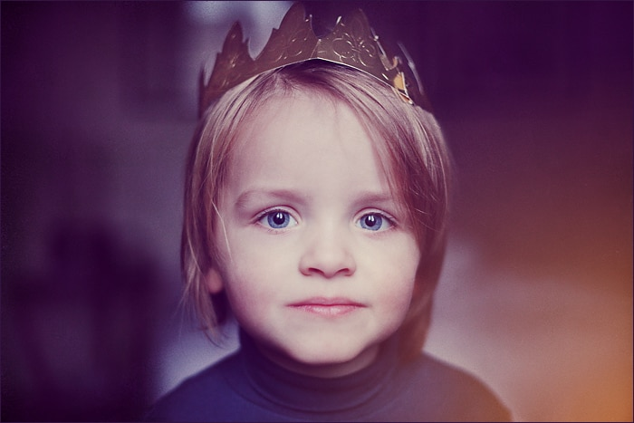 enfant roi maman caillou