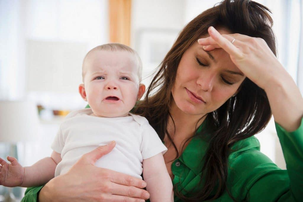 femme enfant fatigue