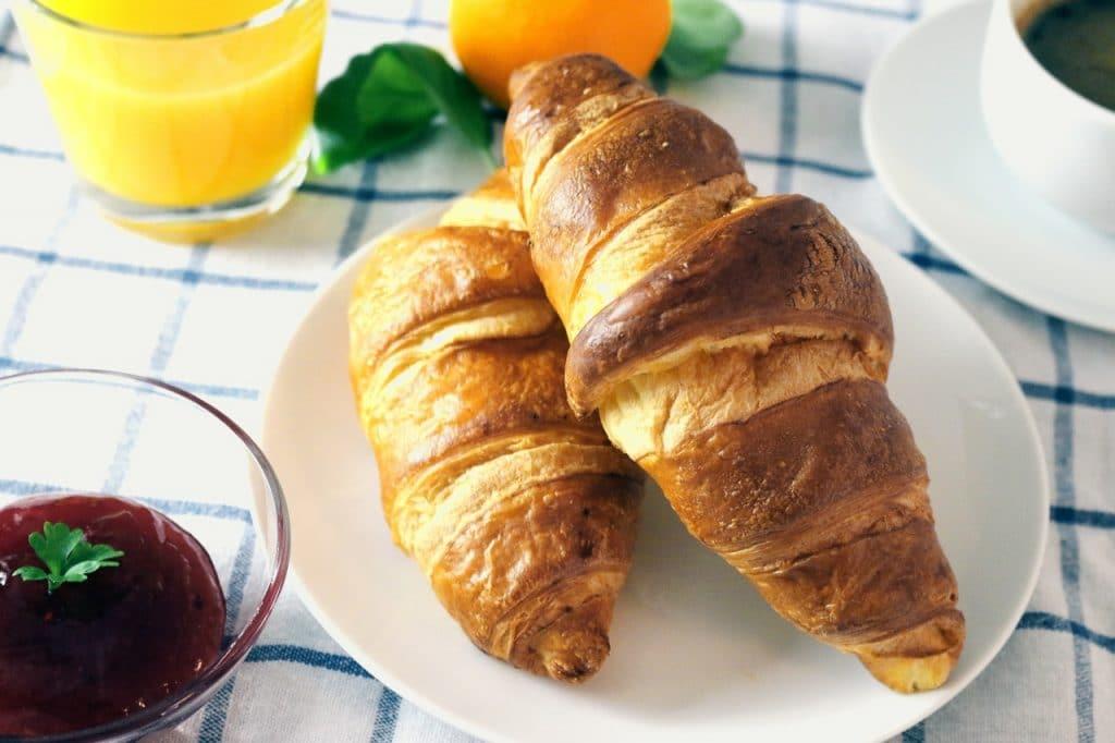 croissant matin brunch