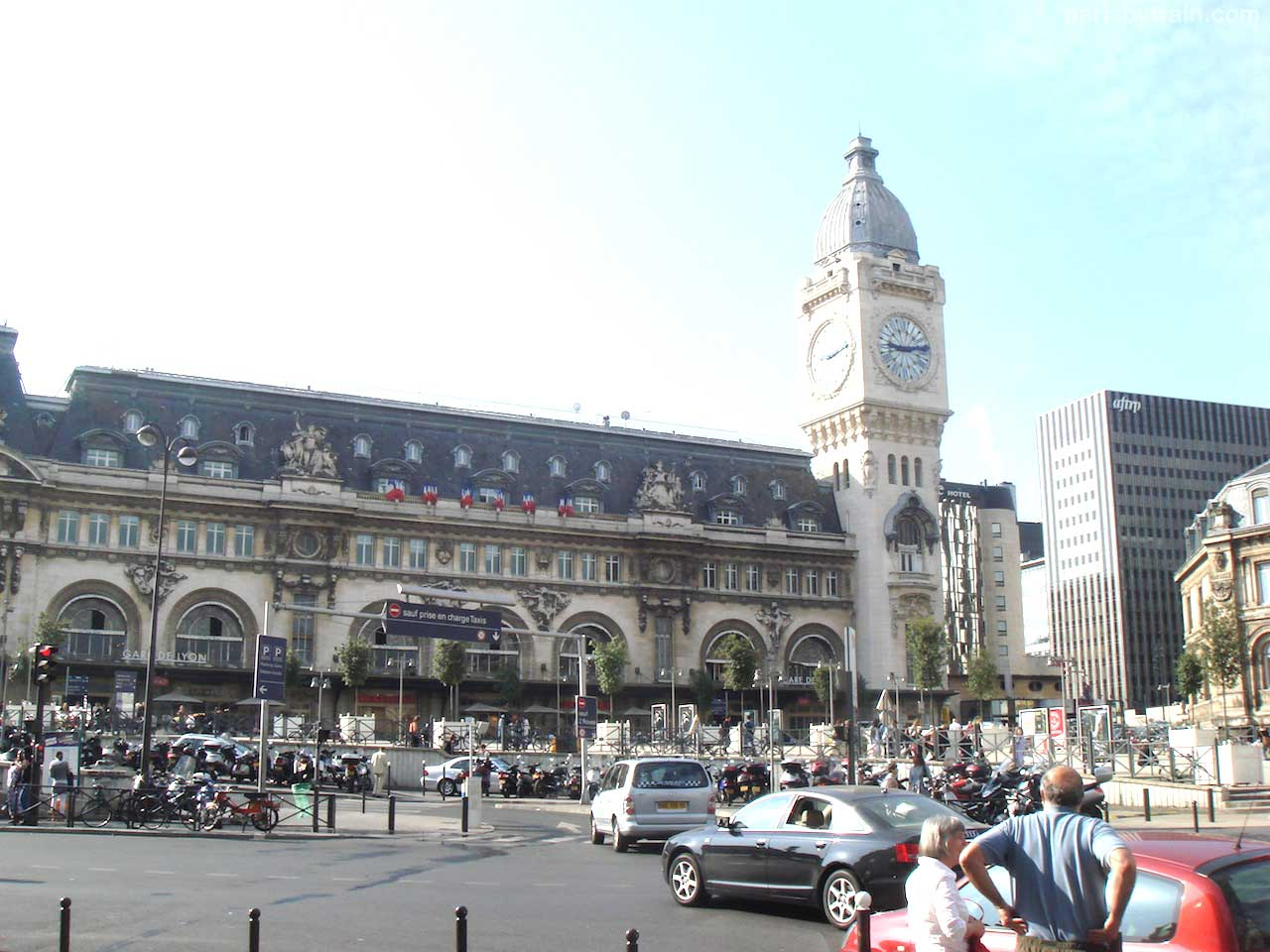 Gare De Paris Gare De Lyon Train Station Paris By Train