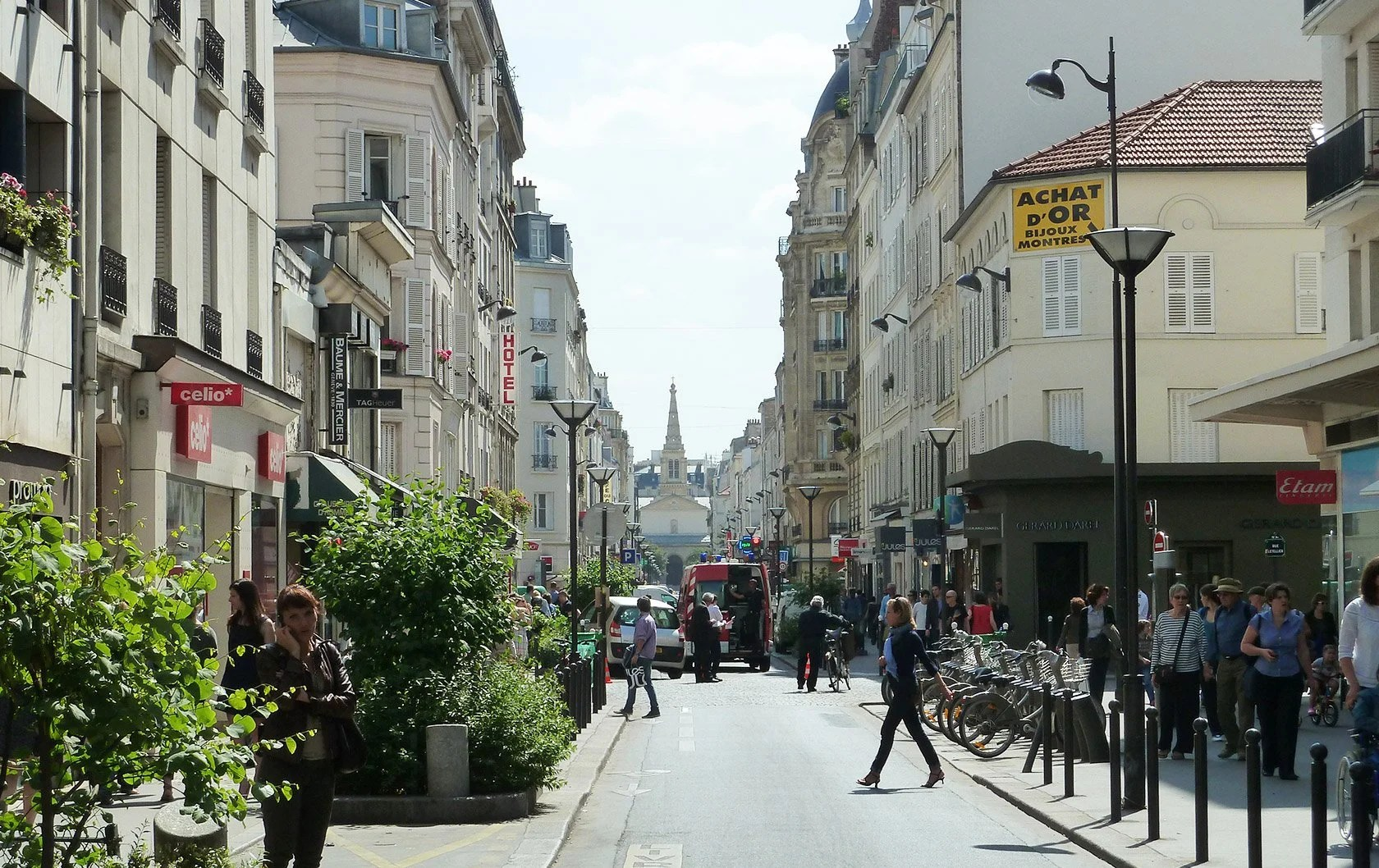 Celio Chatelet The Best Shopping Street In Paris La Rue Du Commerce Paris Perfect