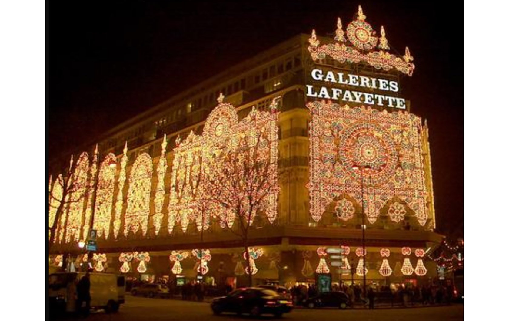 Le Printemps Paris Christmas Shopping At Galeries Lafayette Printemps In Paris