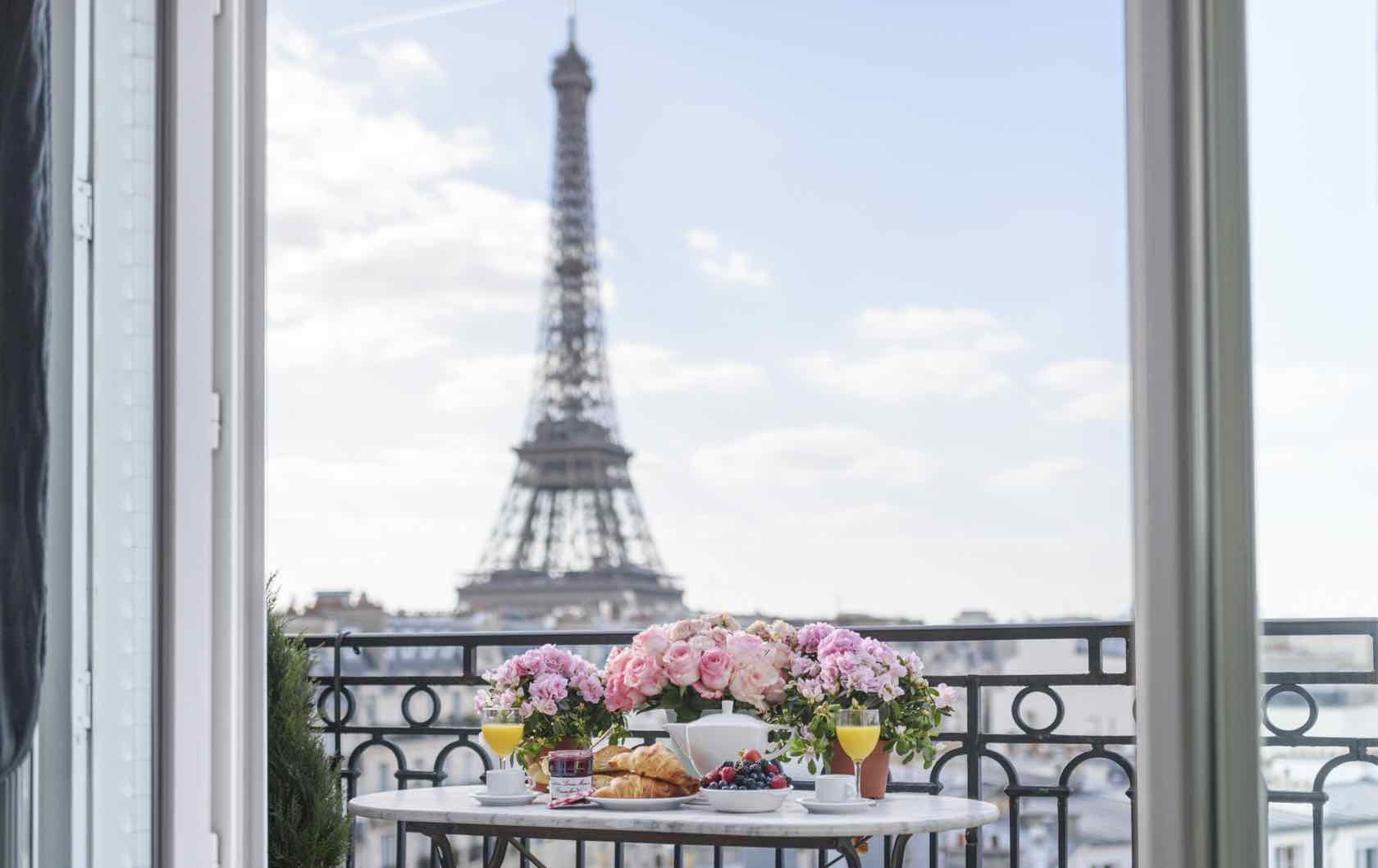 Terraces Rooftops And Gardens The Best Places To Eat Outside In Paris Paris Perfect