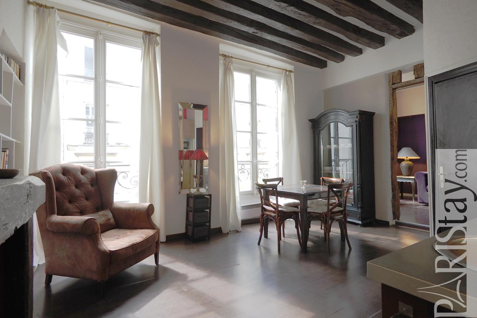 Meuble Angle Tv Location Longue Duree Paris Le Marais Appartement T3 Meuble