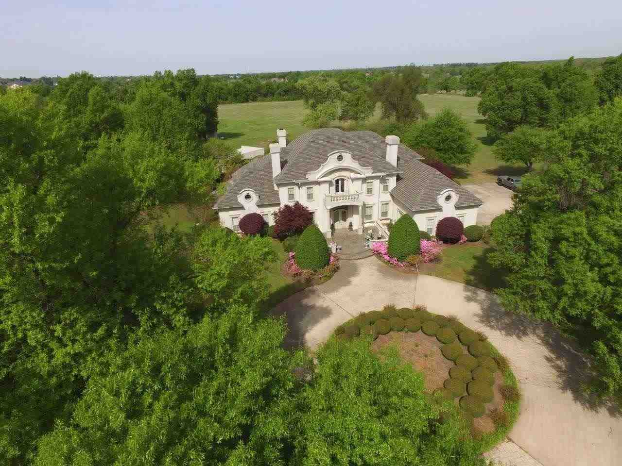 Farmhouse For Sale In Texas Century 21 Harvey Properties Residential Farm And Ranch Land