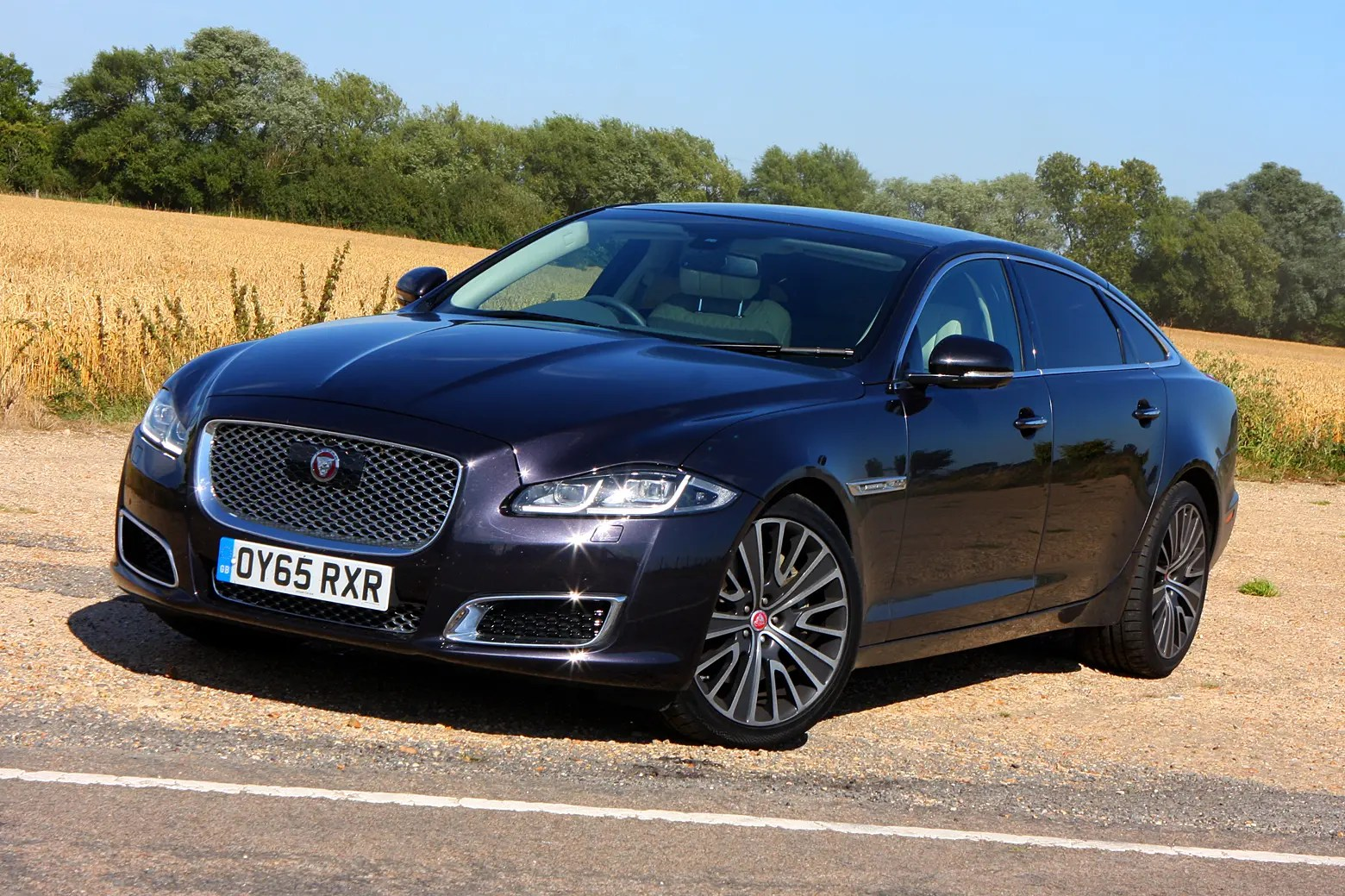 Jaguar Xj Autobiography Jaguar Xj Saloon Review Parkers