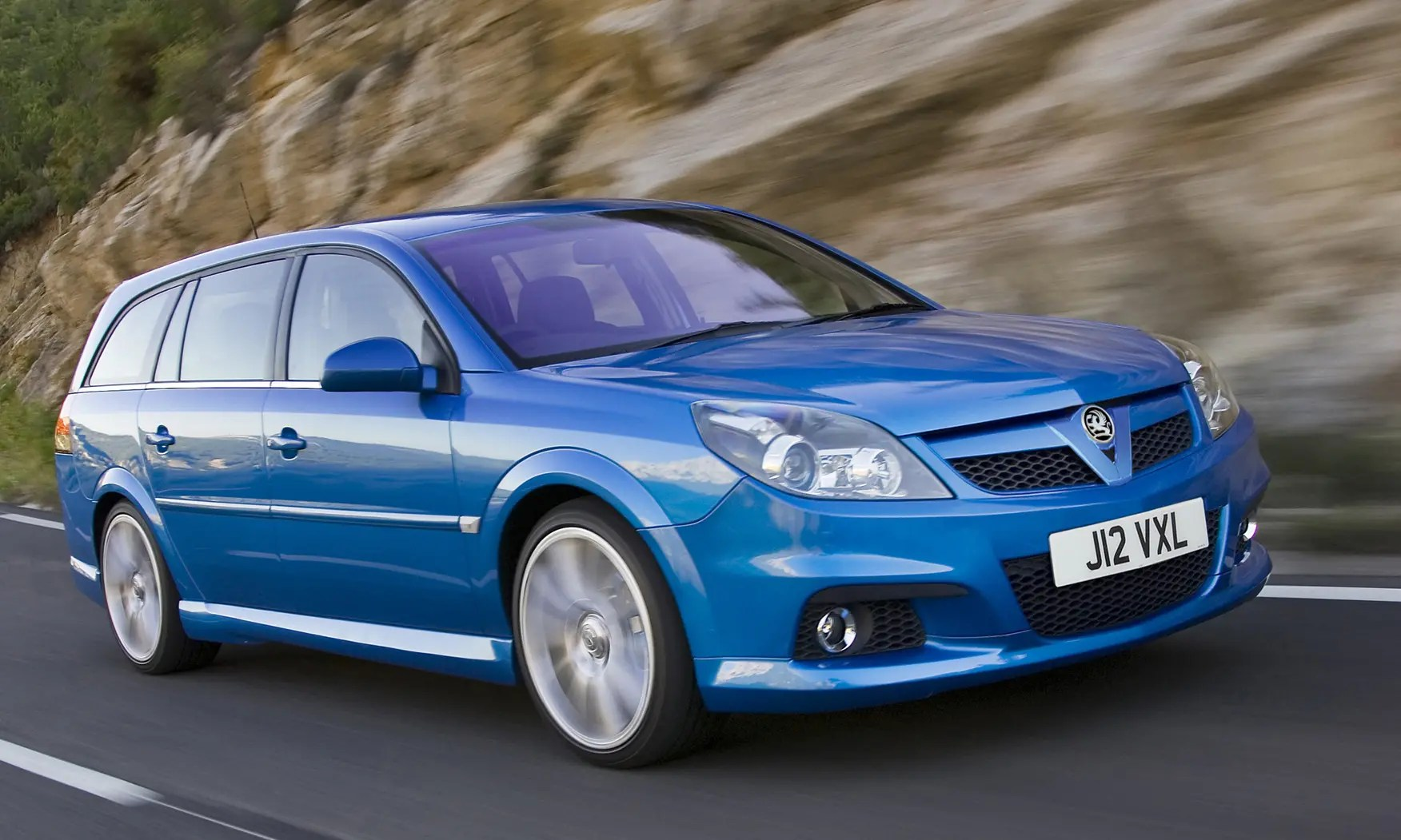New Vauxhall Vectra Vauxhall Vectra Estate 2005 2008 Driving And Performance