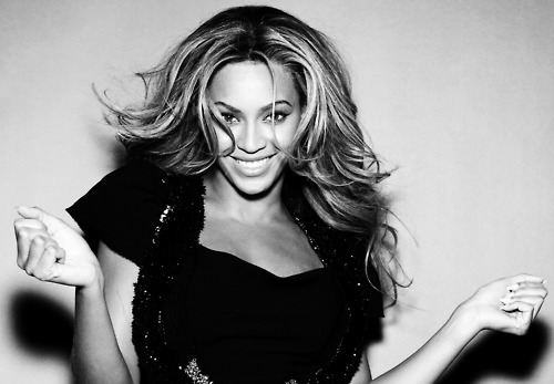 beyonce smile black and white 2011_500