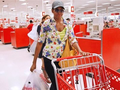 Michelle-Obama-Target-Shopping-Trip-thumb-400xauto-24558