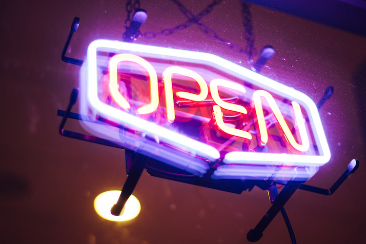 How to Attract Customers on Your Opening Day Bplans