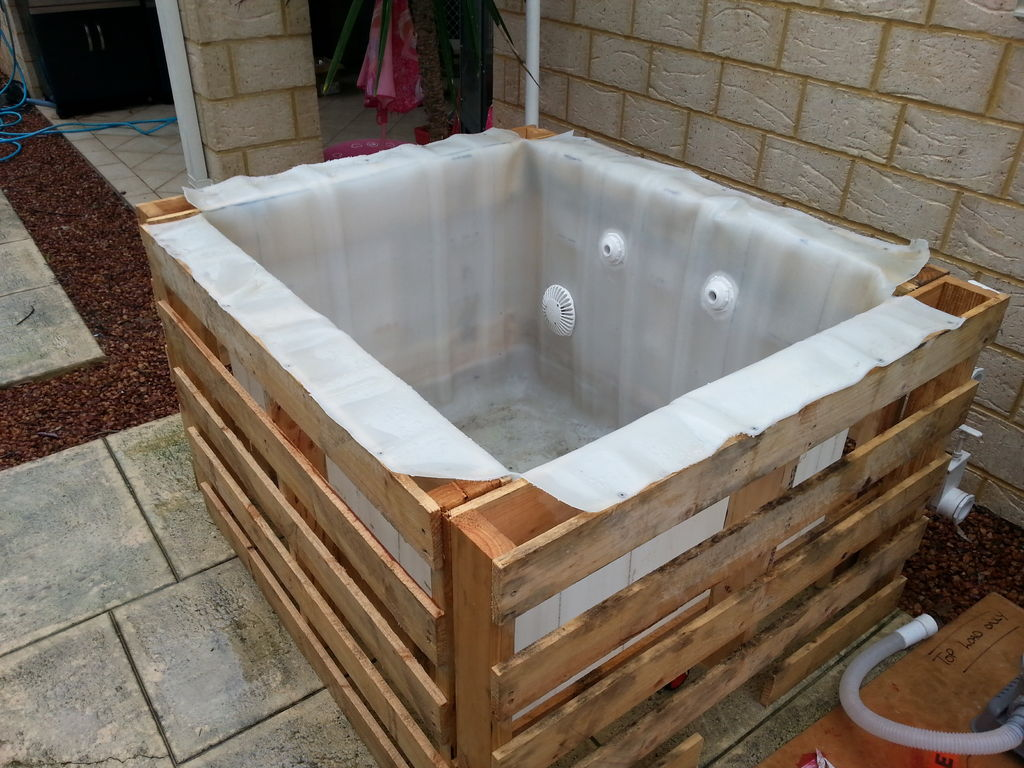 Make A Pallet Swimming Pool For Under 80 Houston - Piscine Palette