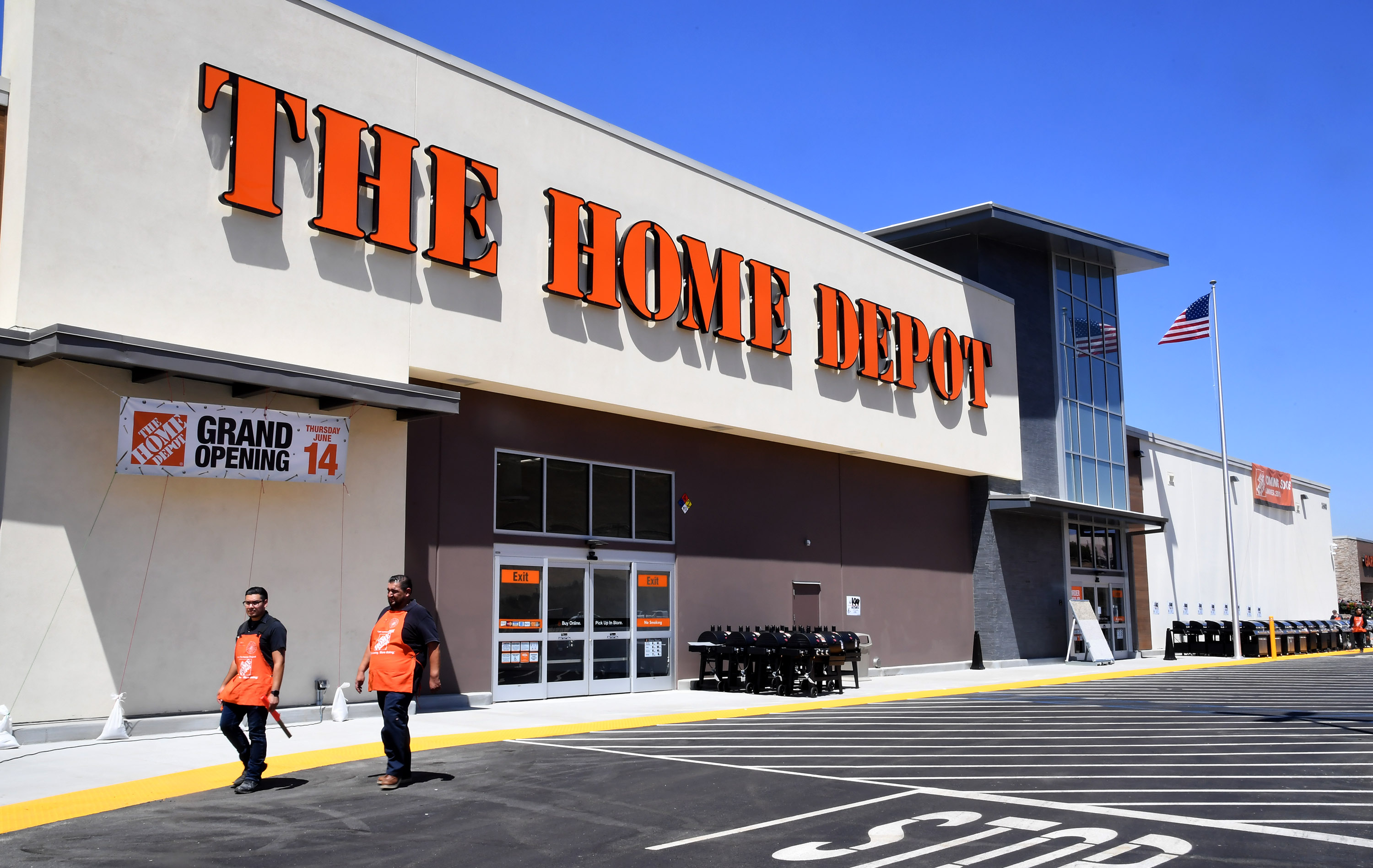 Bank Home Depot Home Depot To Unveil New Store In Monterey Park Pasadena Star News