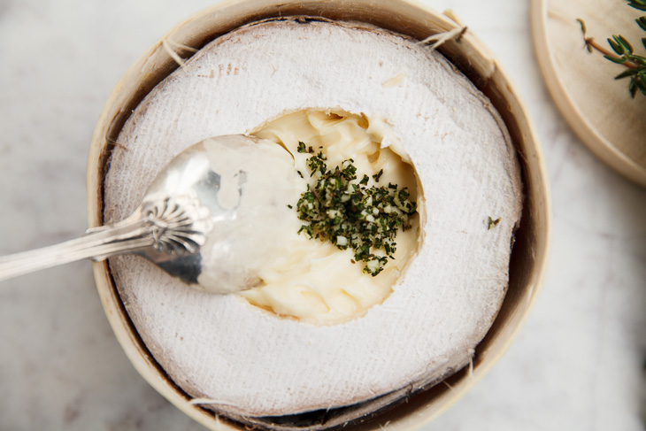 Passagem Gastronômica - Receita de Queijo Mont d'Or Derretido