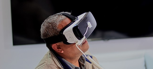 Conversations with virtual reality