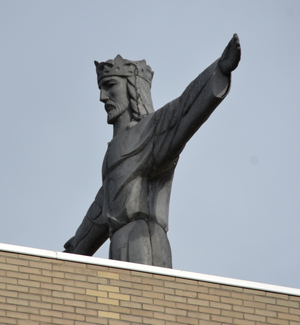 The King atop the Kings College Administration Building