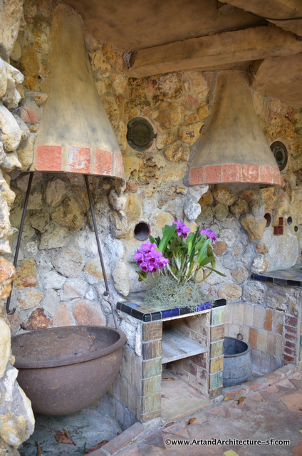 Large cooking pots in The Spanish Kitchen