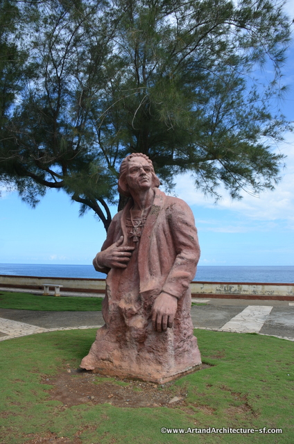 Statue of Christopher Columbus along the Malacon