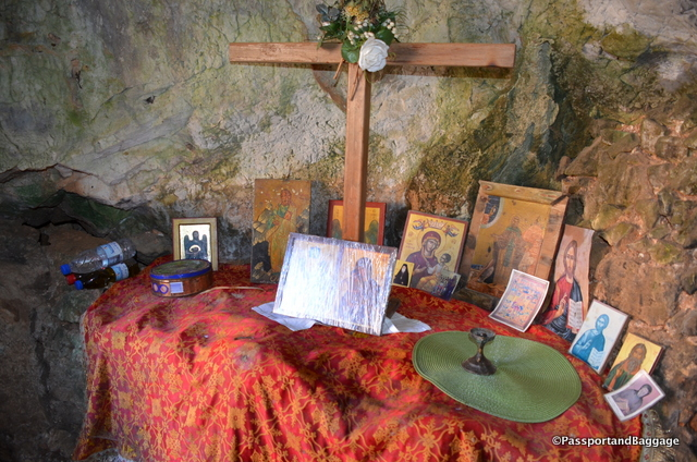 A small alter inside the cave