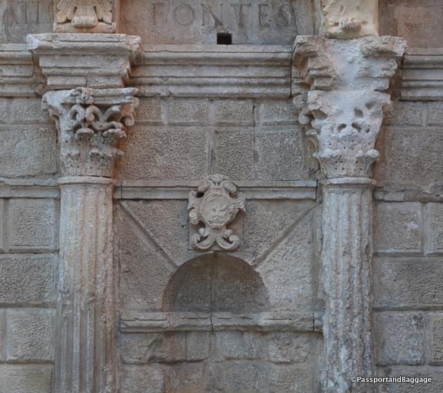 The Rimondi Crest on the Rimondi Fountain