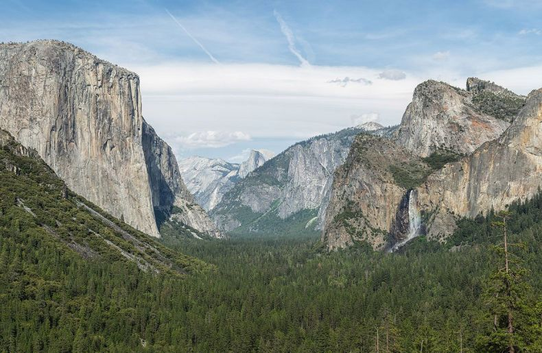Yosemite Valley from Tunnel View by DAVID ILIFF 2013