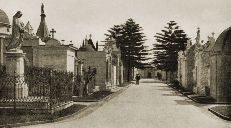 A street of the Dead, Recoleta, Buenos Aires 1917