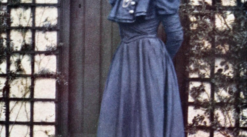 The Blue Dress by Alvin Langdon Coburn about 1908