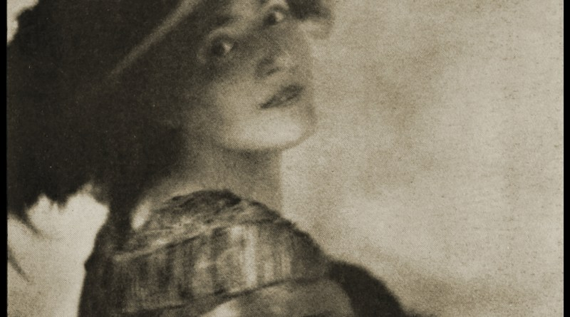 Portrait of Mrs. Brown Potter by Baron Adolf de Meyer about 1908
