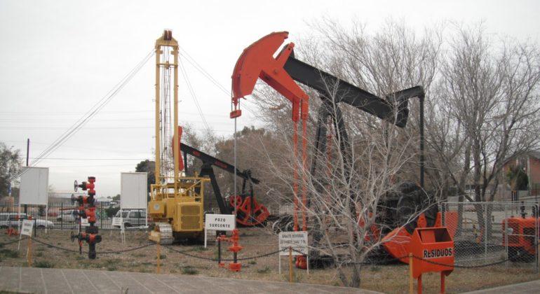 Resultado de imagen para museo del petroleo en comodoro rivadavia