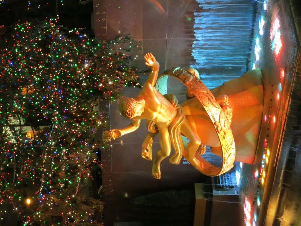 Cucina & Co Rockefeller Center Recycled Rockefeller Center Christmas Tree The Ultimate Re Gift