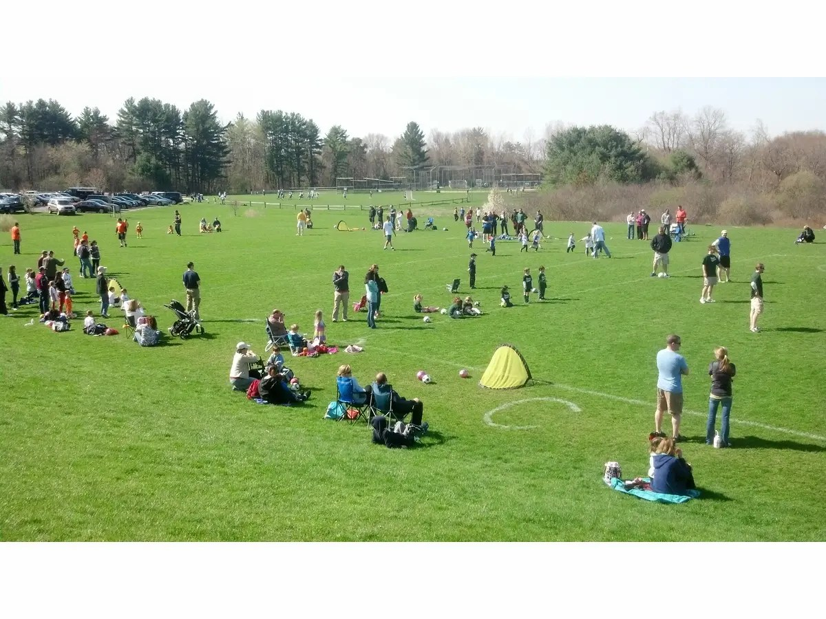 Outdoor Kinder Registration Open For Medfield Day 5k Pre K Kinder Soccer Flag