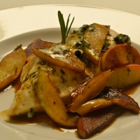 Chicken with Apples, Rosemary, and Blue Cheese