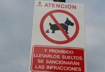 Imagen de una de las señales instaladas contra las cacas de perro