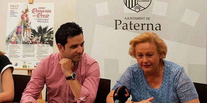 Instante de la presentación de la romería del Rocío en PaternaInstante de la presentación de la romería del Rocío en Paterna
