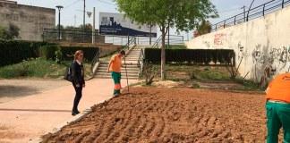 Nuria Campos durante su visita al parque del Barranco del Sau en Santa Rita