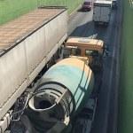 Imagen del túnel con el camión detenido en la rampa de salida hacia la rotonda de calle Villa de Madrid