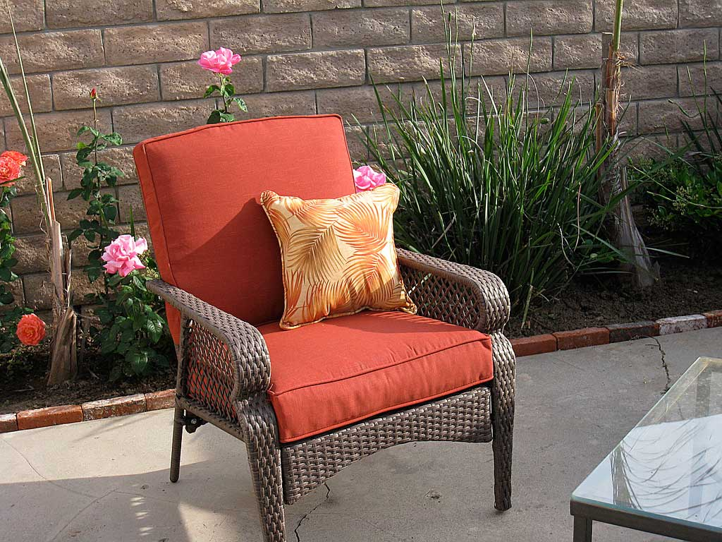 Deck Furniture Ideas 8 Keys To The Perfect Patio Furniture Arrangement
