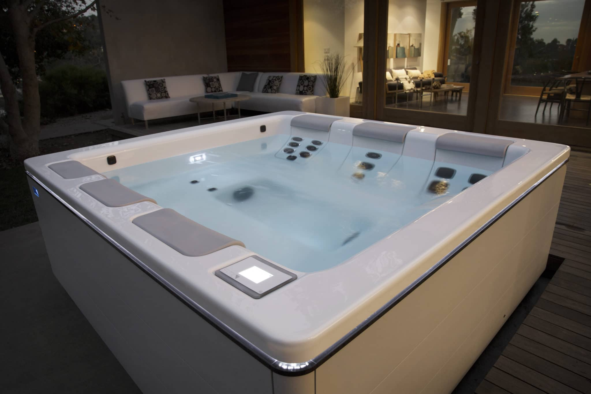Aquaparx Whirlpool Spa Jacuzzi Spa Pool Interior Modern Posh Clean Inside Spa Nelson