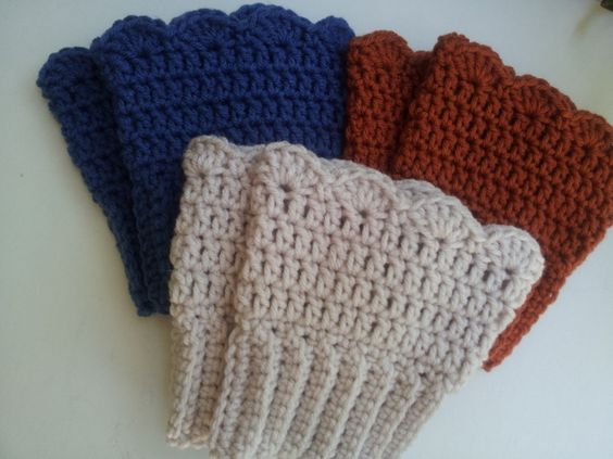 Amazing Crochet Pattern Central Boot Cuffs Manet For Usefulresults