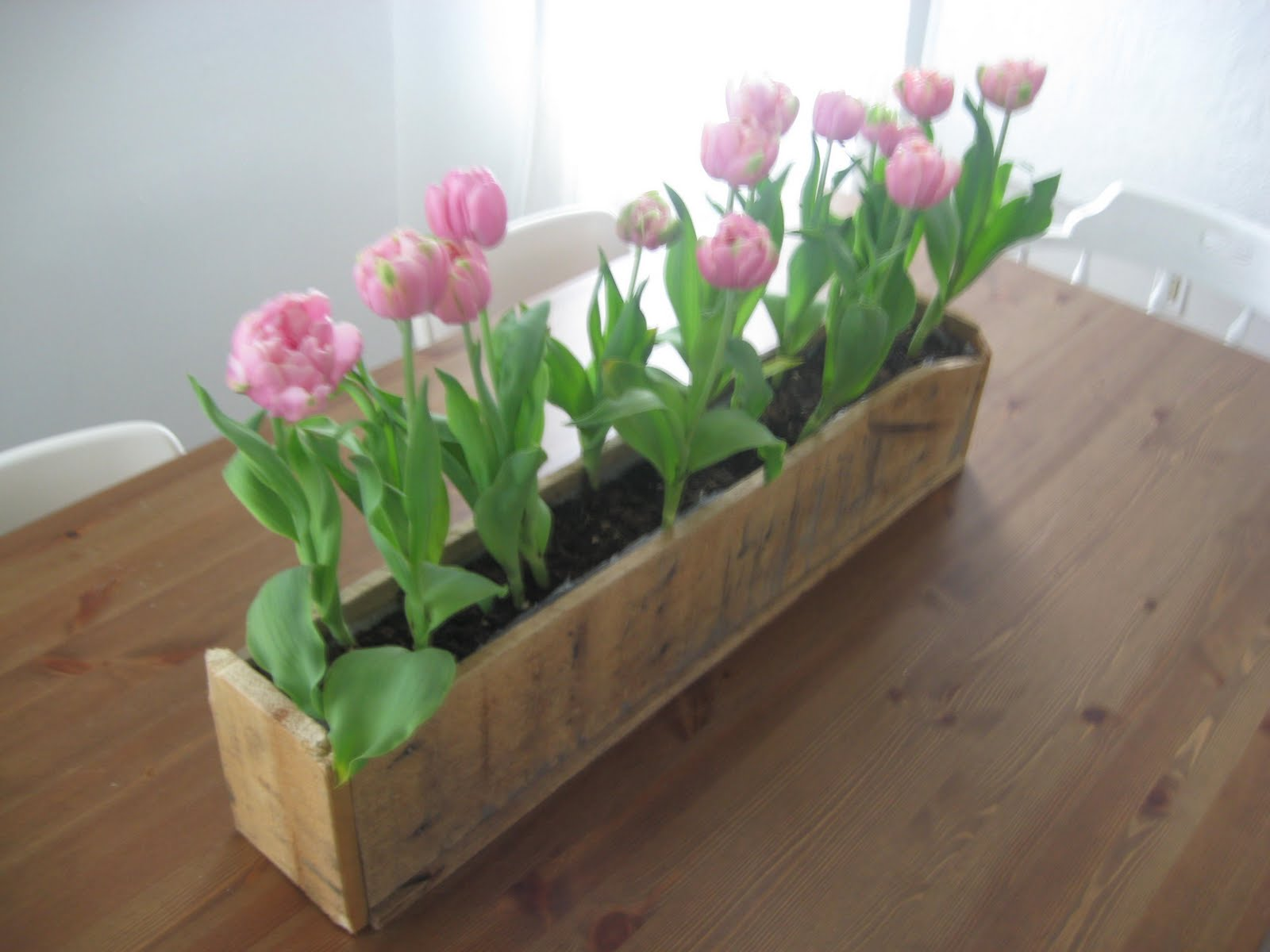 Diy Planter Box From Pallets How To Make A Wood Pallet Planter 42 Diy Ideas