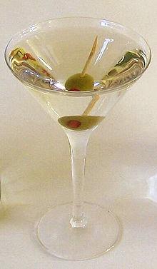 220px-Dry_Martini-2