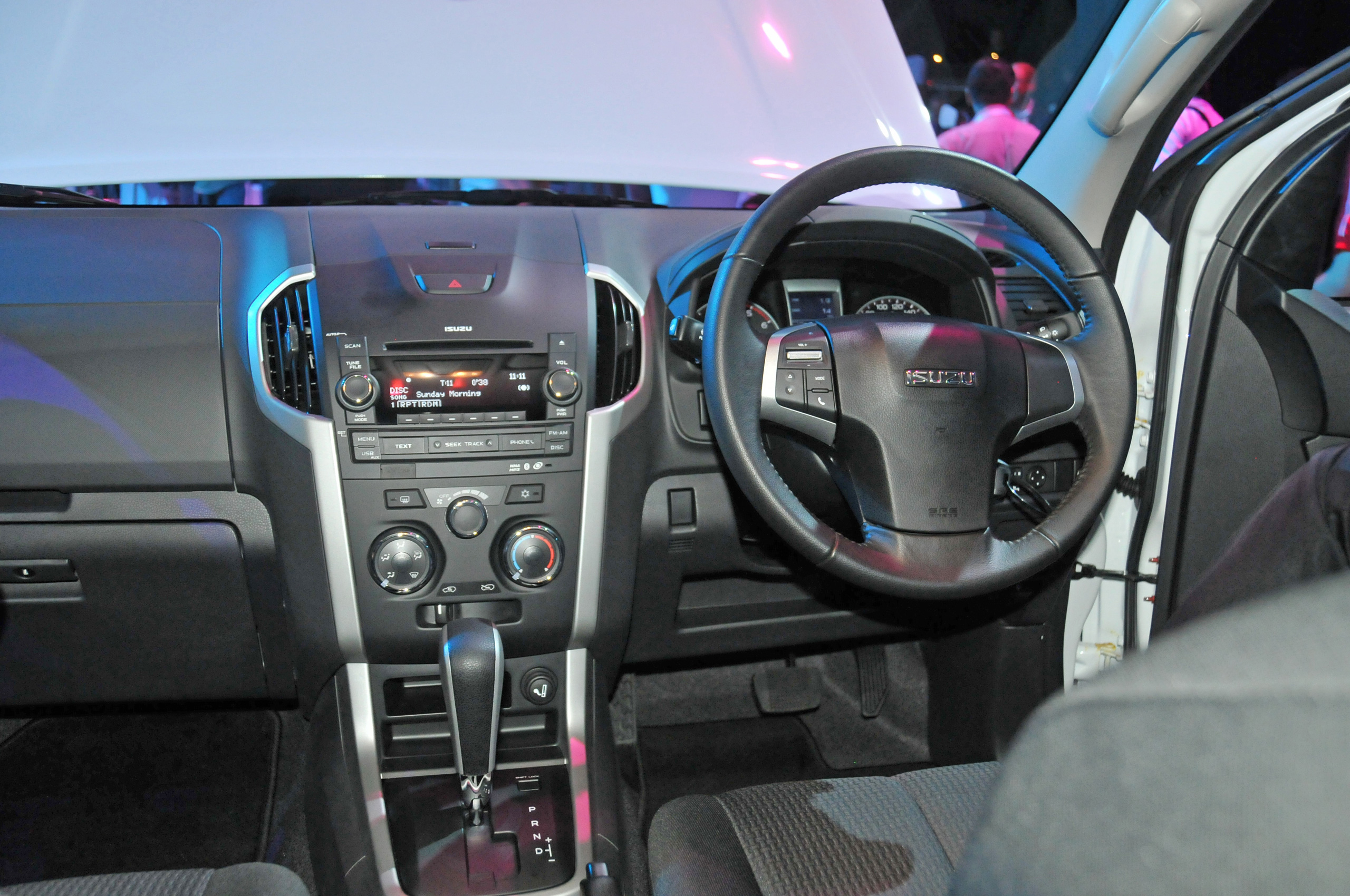 Isuzu Dmax 2014 Modified