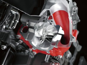 16_15zx1000p_cut_supercharger